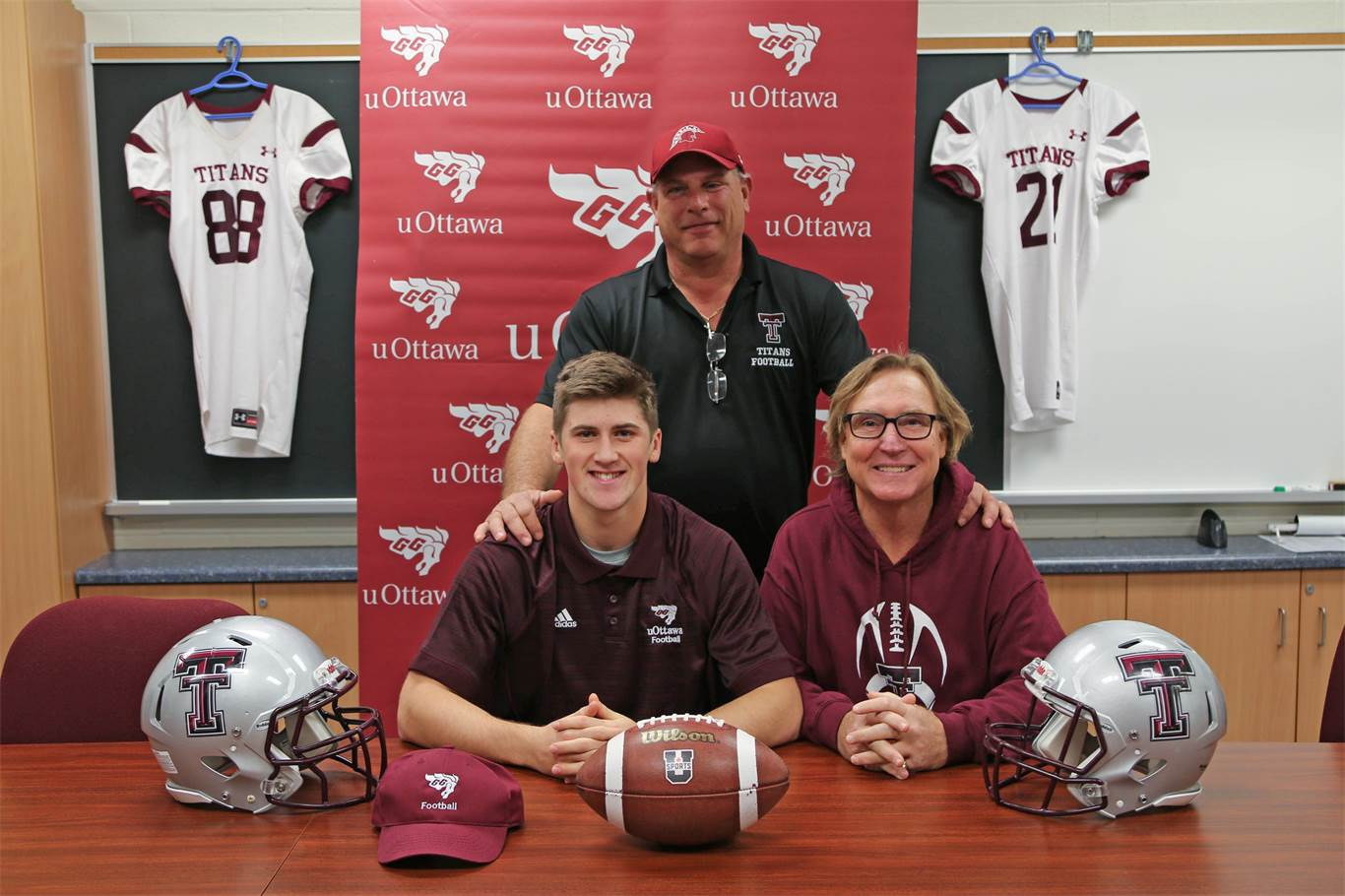 Bishop Tonnos' Mark Randazzo signs with University of Ottawa